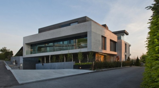 Genuine-Concrete-Block-House-by-SimmenGroup-2-800x530